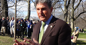Manchin Wants Disgraced Franken To Stick Around