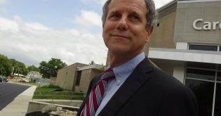 Sherrod Brown Is the Prince of the Progressive Left